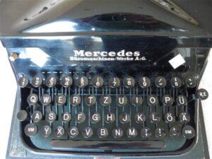 Typemachine Mercedes met afsluitbare koffer