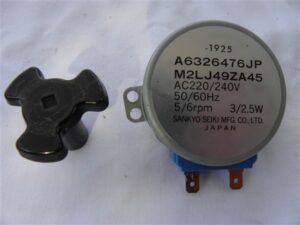 Draaiplateau motor onderdeel Bosch Magnetron HMT872K/01