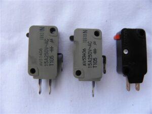 Microschakelaars onderdeel Bosch Magnetron HMT872K/01