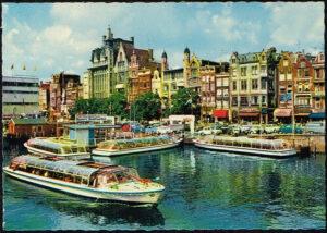 Ansichtkaart Nederland Amsterdam Damrak nr 24